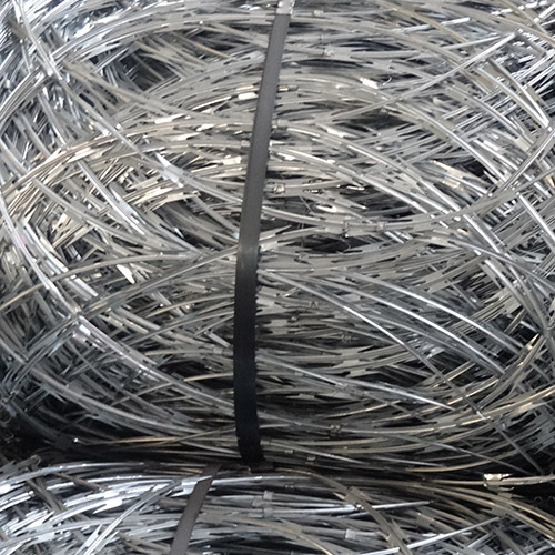 平面的被包裹的剃刀电汇-平稳的铁丝网范围
